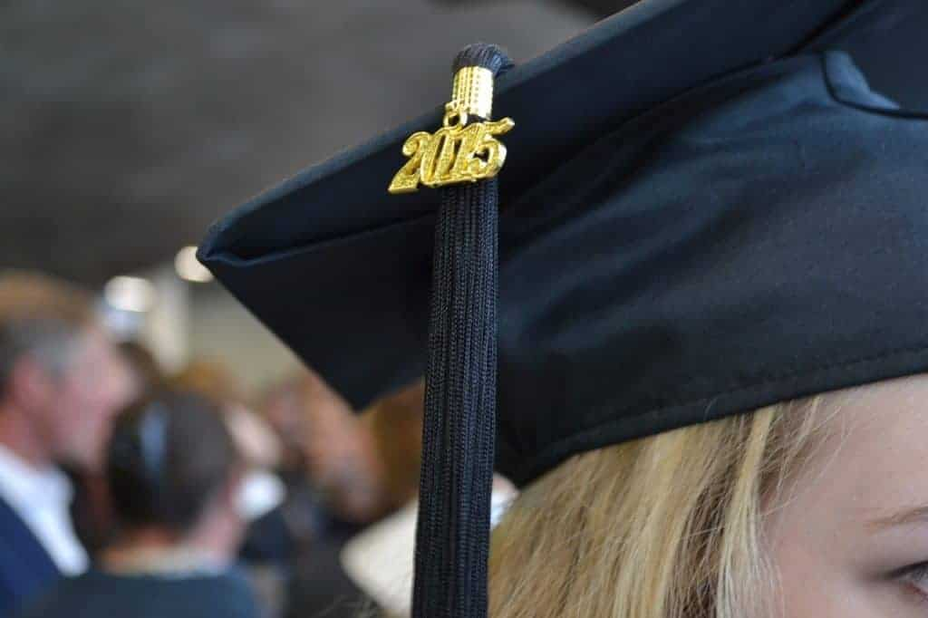 cap n gown closeup